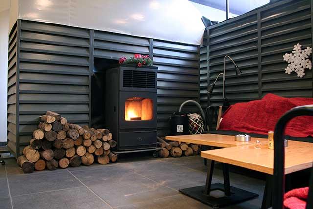 Ζεστό και φιλικό περιβάλλον με υπηρεσίες υψηλής ποιότητας.